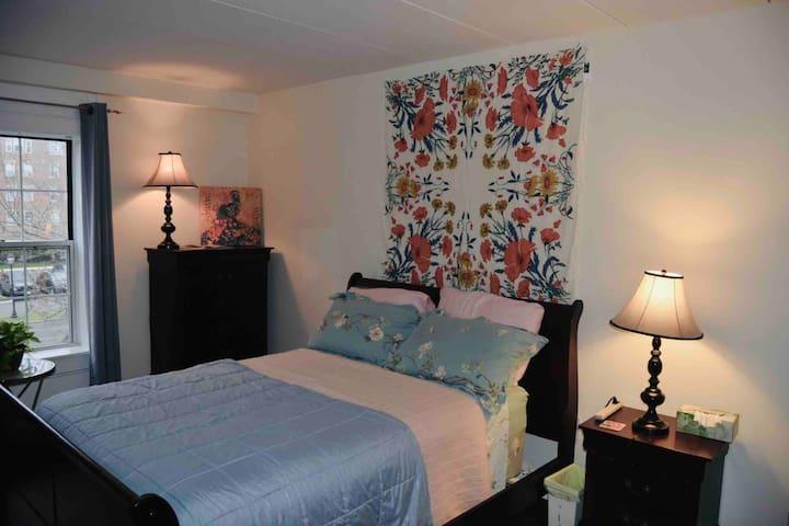 Spacious bedroom and bathroom near Logan Airport