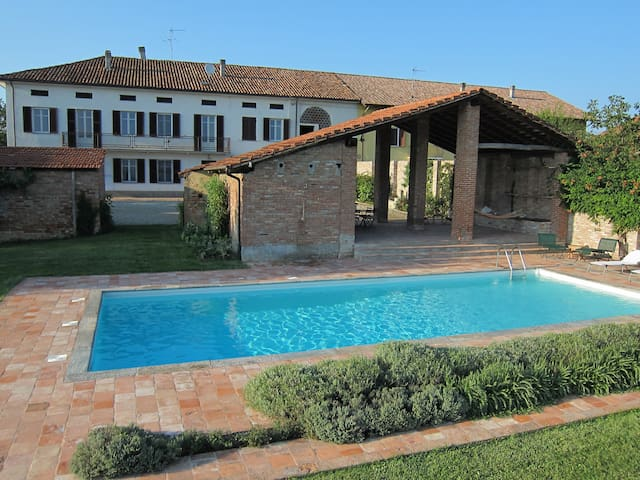 Fantastic farmhouse with pool - Incisa Scapaccino - Talo