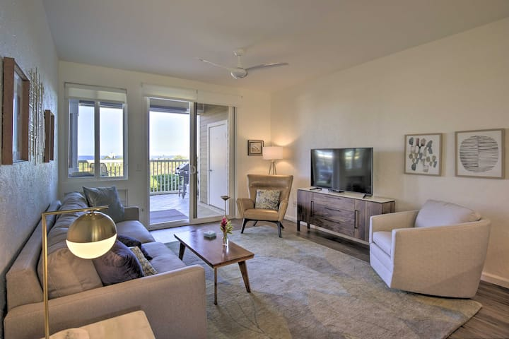 NEW! Condo w/ Pool, Lanai & View - Walk to Beach!