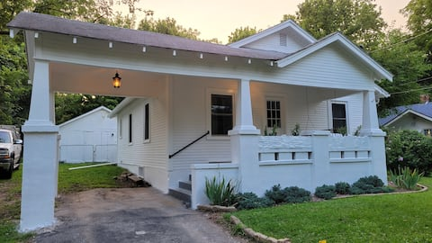Carriage House - Newly Remodeled Historic Home