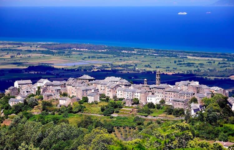 Grande maison vue mer à Penta di Casinca