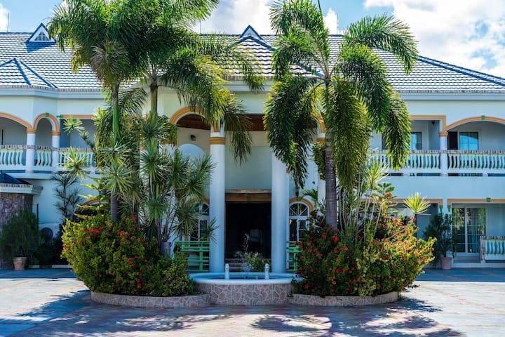 Holiday Haven Resort & Banquet Hall Dbl Qn