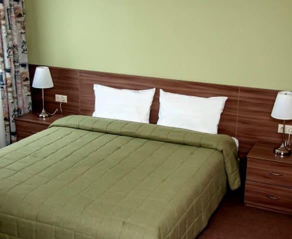 """Двухместный номер Полулюкс в отеле """"Вояж"""" - Naro-Fominsk - Bed & Breakfast"""