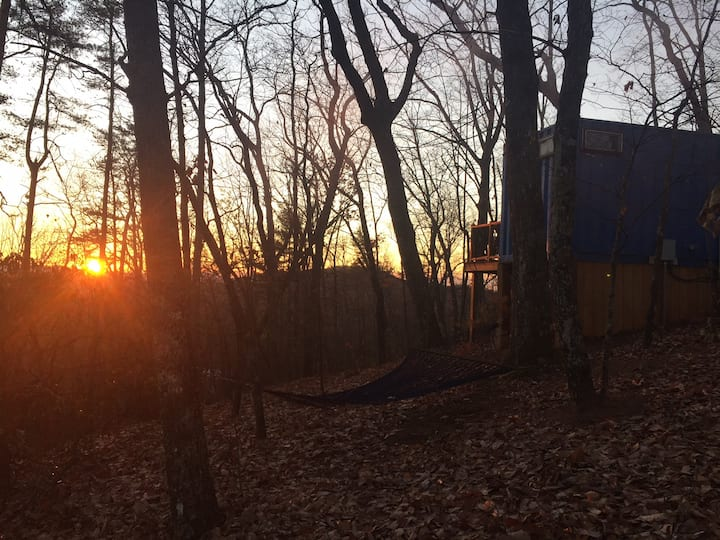 Barefoot Hills - Sunrise Shipping Container Cabin