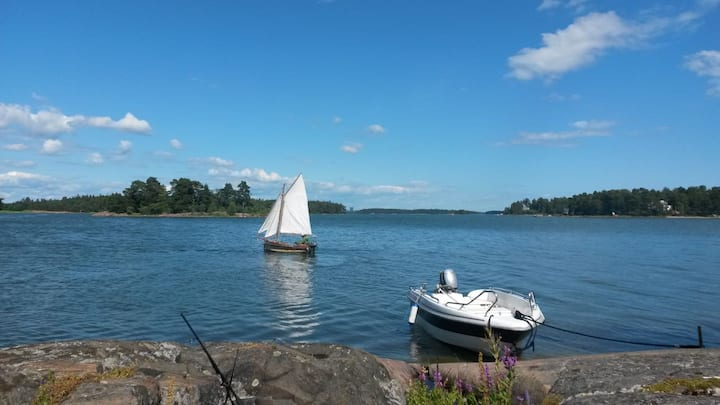Karelia boating trip with a tent