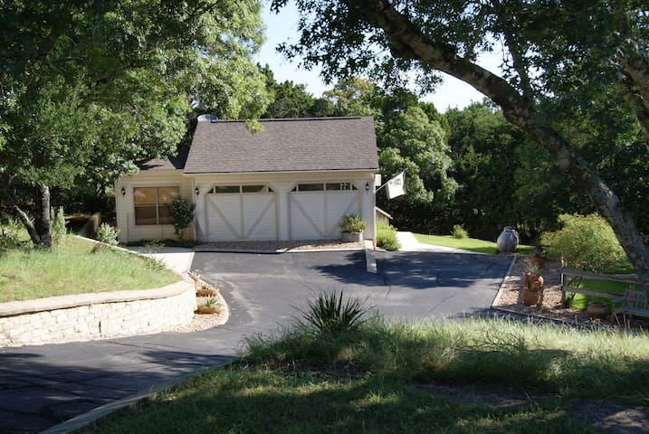 Hill Country Carriage House - Boerne - Hus