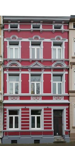 schönes Zimmer in altem Stadthaus von 1894 - Aachen