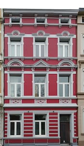 schönes Zimmer in altem Stadthaus von 1894 - Aachen - Ev