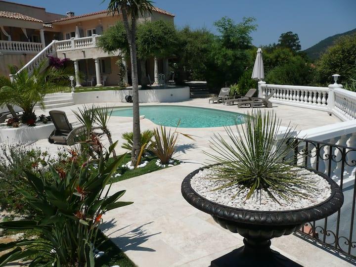 Villa Paradis/Au bord du Golfe St Tropez & vue mer