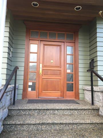 温哥华西区桑拿斯别墅4个房间出租 - Vancouver - Villa