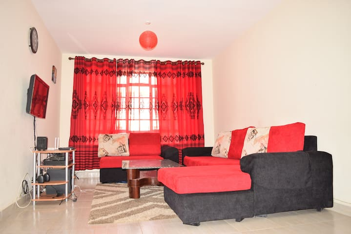 Safe & Accessible 3 Bedroom Apartment near Airport - Nairobi  - Daire