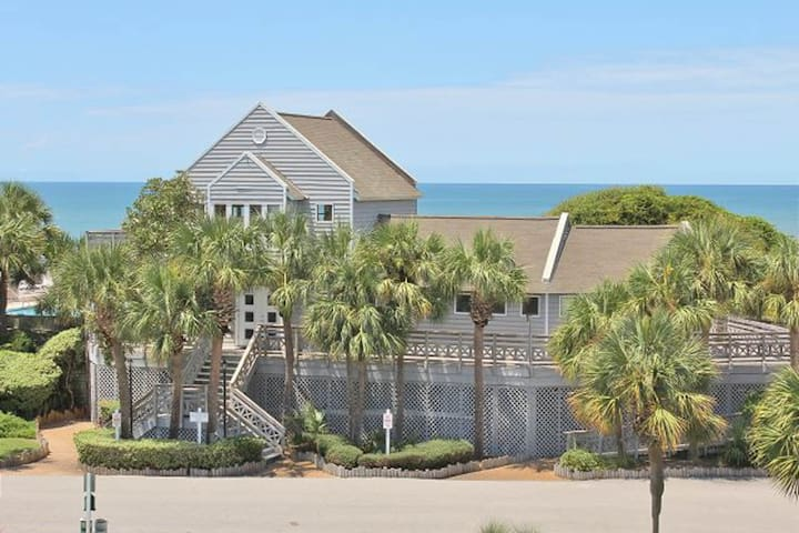Breezy townhome w/ shared pool & tennis, beach access - small dogs welcome!