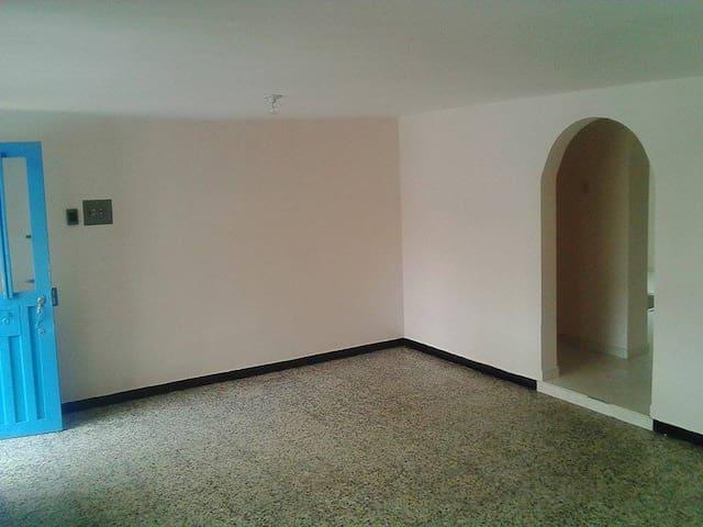 Apartamento barrio 20 de Julio