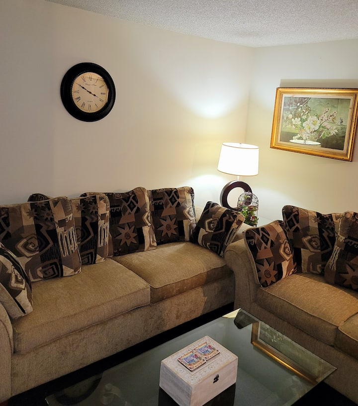 Serenity and Comfort, WIFI and Amenities Near UCF