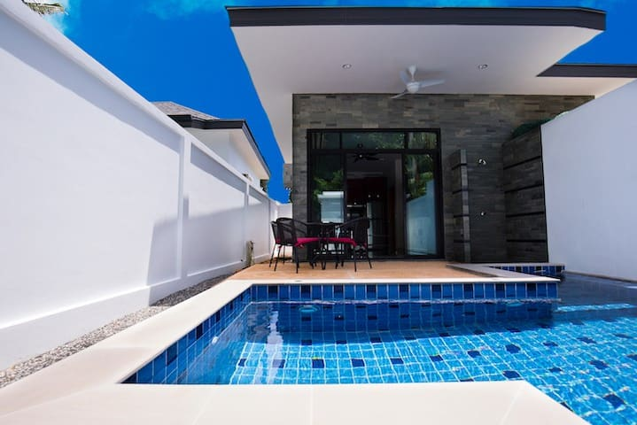 Little Gem 1 bed Private pool Villa Rawai Beach
