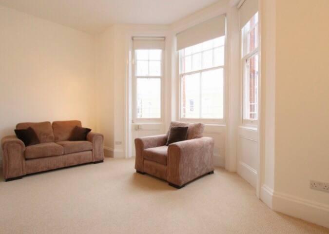 Brand New Entire South Kensington 1 Bedroom Flat - London - Flat