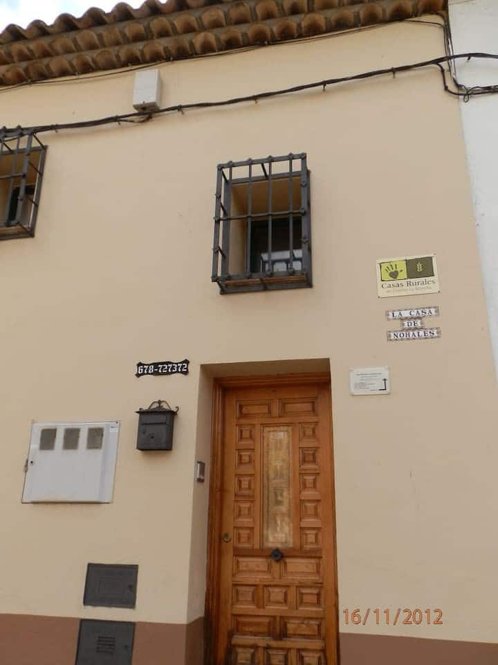 CASA DE NOHALES. Casa de Arriba.