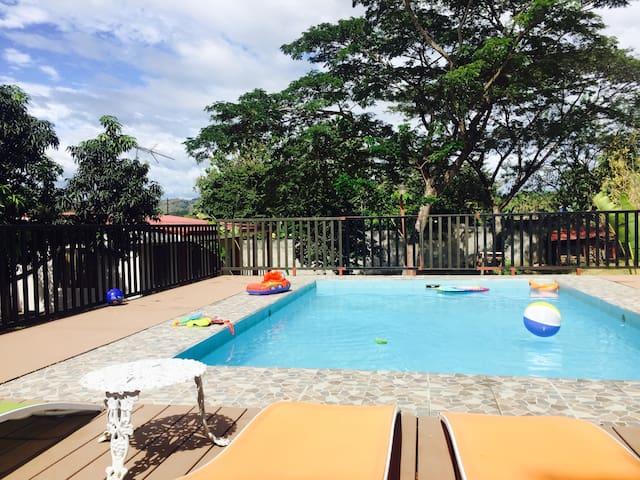 Habitación Privada a 1Km del mar - Punta Morales - House