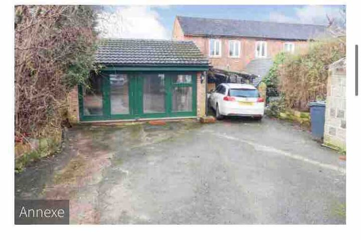 Private annexe in heart of Belper