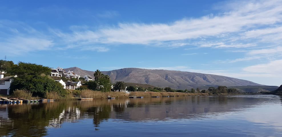 Exceptional holiday home on the Breede River