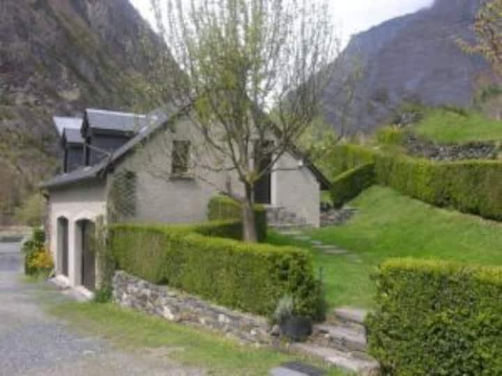 Maison (3 clés), au calme, proche de Gavarnie