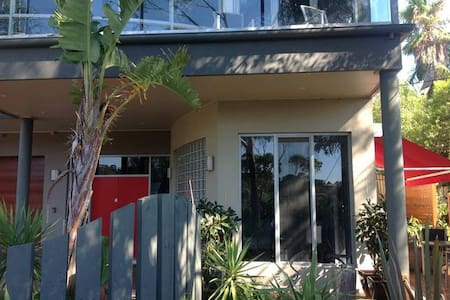 Ian Road Apartment 'Getaway' One Bedroom Apartment - Mount Martha - Daire