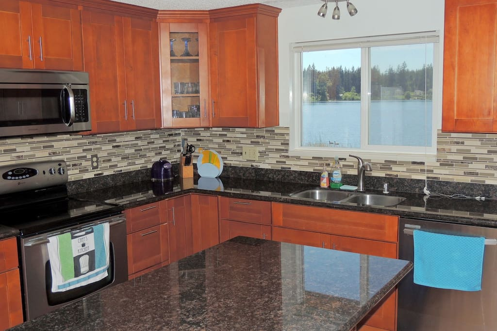 Contemporary Kitchen with View!