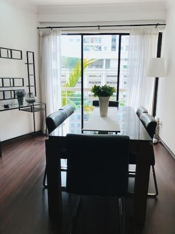 Bright and Open dining area