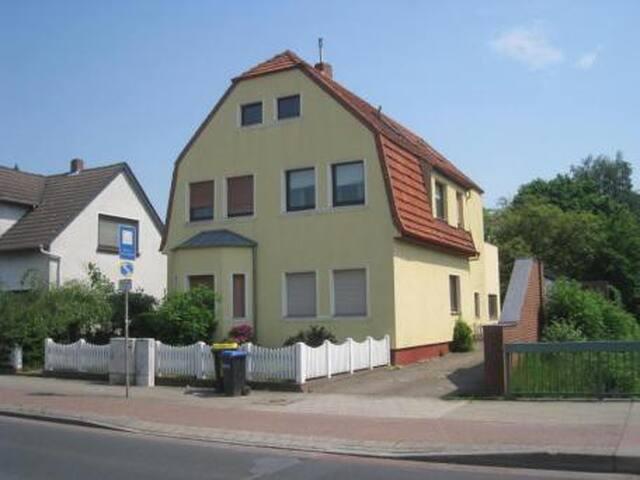 Haus Sonnenschein Bremen- Nord, 3,5 Zimmer 100m²