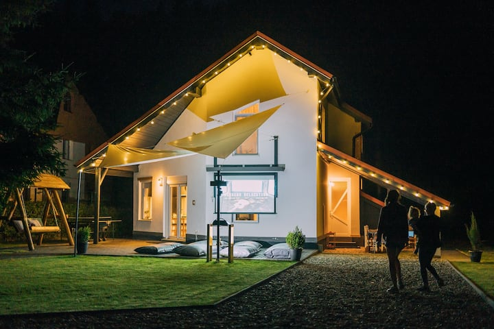 Guesthouse Transylvania. A smart home in nature.