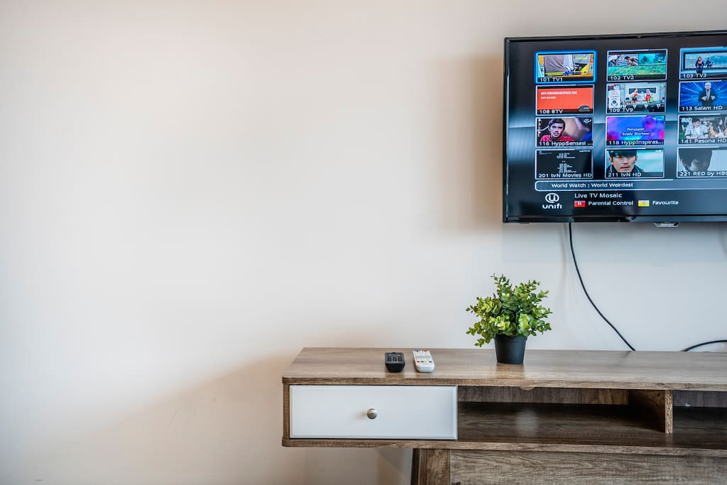 High speed Wifi & cable TV