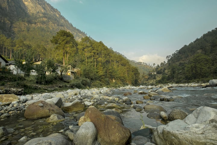 COTTAGE Room - Tirthan Valley GHNP