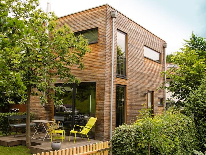 kleines modernes Gästehaus