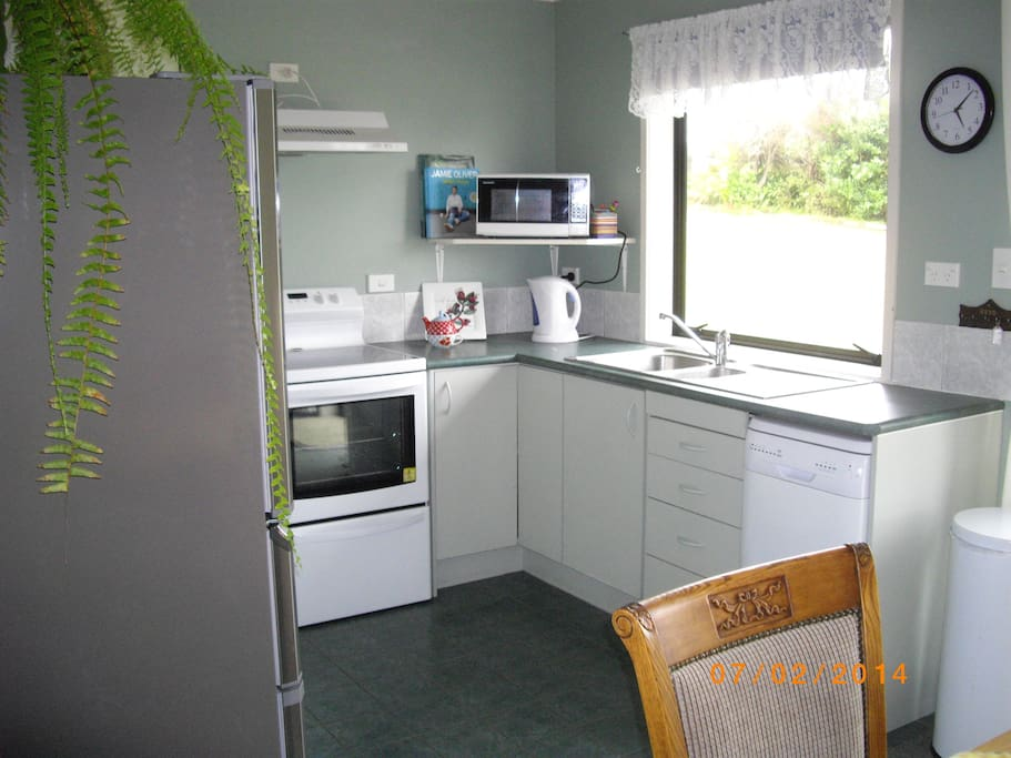 Fully equipped kitchen, microwave, dishwasher oven