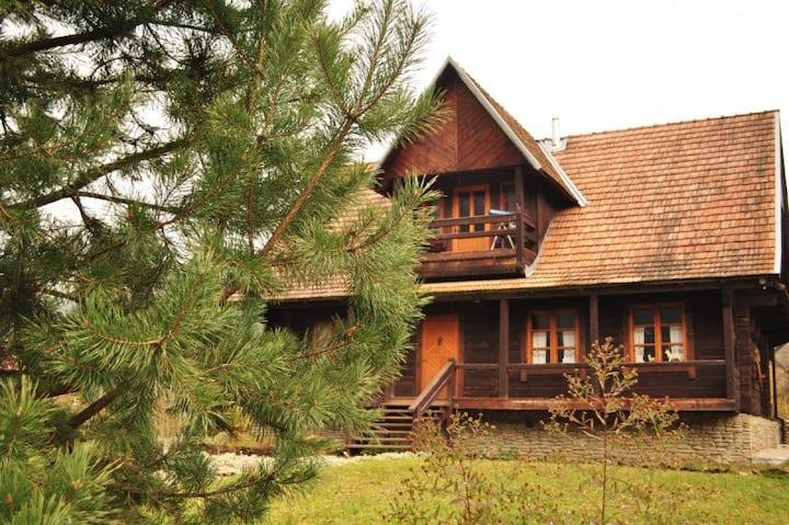 """Boykovsky house - """"Badjoriy Olen"""""""