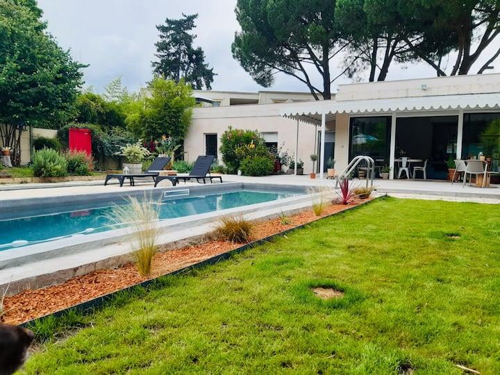 Villa d'architecte très calme, piscine et jardin