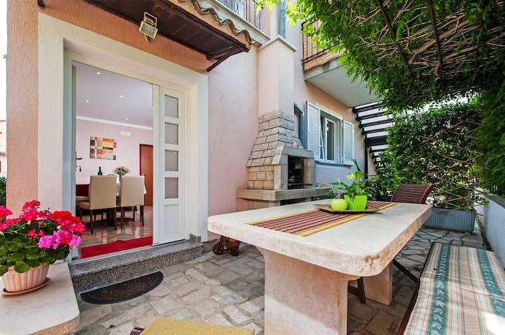Apartment,Wi-Fi,terrace,barbecue
