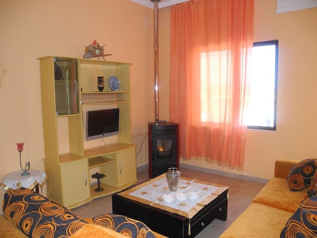 Bright apartment 300m by the sea - Chania - Apartment