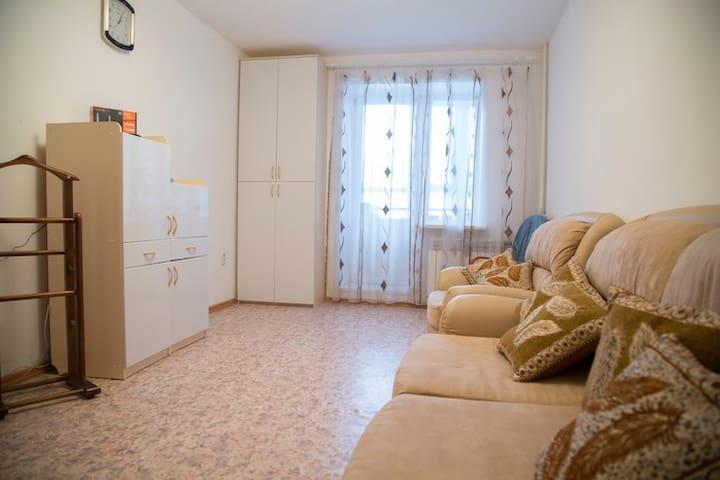 Уютная квартира в центре, посуточно - Tomsk - Apartment