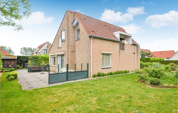 Holiday cottage with 3 bedrooms on 120m² in Breskens