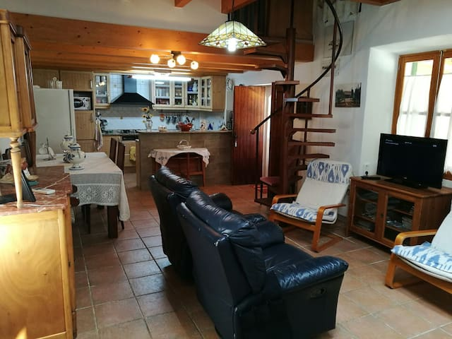 Beautiful countryhouse with a pool in Alaro for 6 - Alaró - House