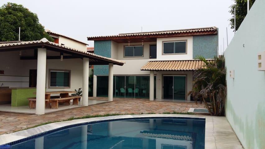 Excelente casa mobiliada com piscina