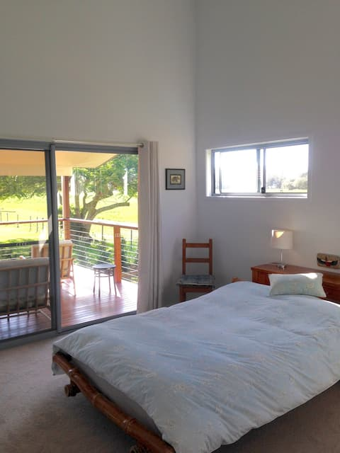 Private double room with en suite  Mullum town!