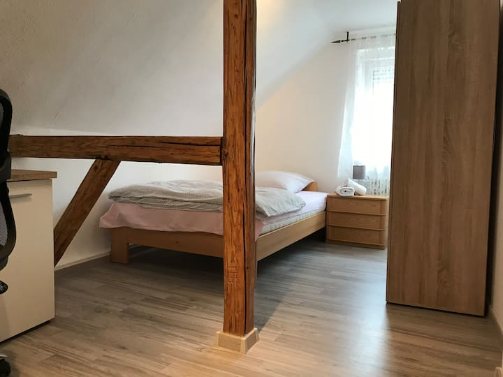 Private Double Room - Flörsheim near Frankfurt