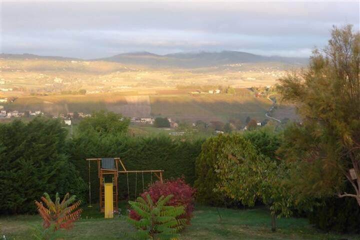 Pommiers : Gite indépendant au coeur des vignobles