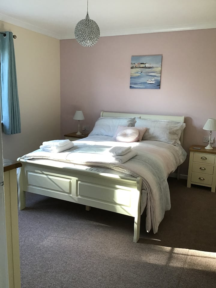 Peloton House (double room) near Red Wharf Bay