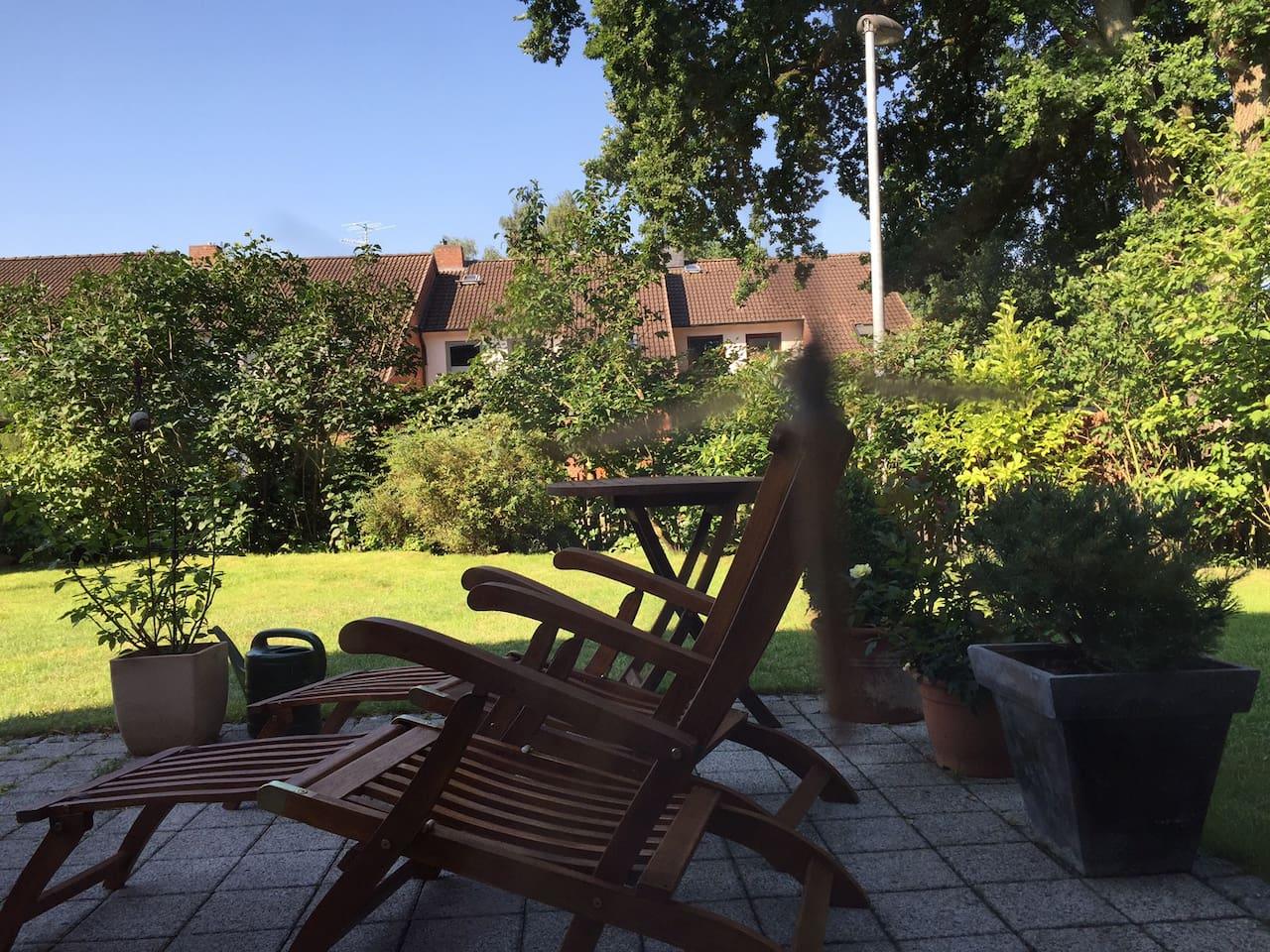 "Turmzimmer"" & eigenes Bad - Nähe S1 Rissen - Houses for Rent in ..."
