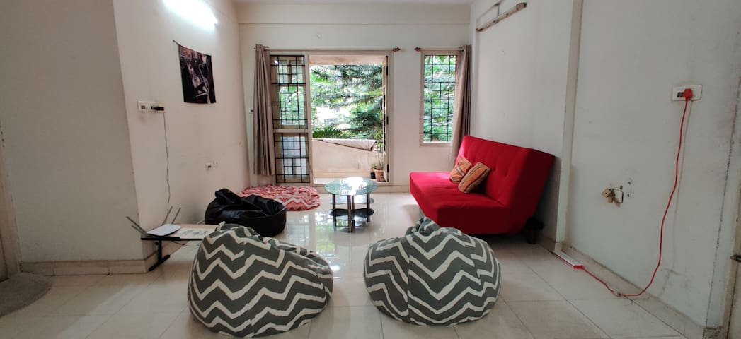 Cozy Room in Indiranagar