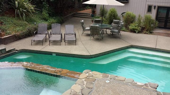 Private Pool/hot tub - Sanitized - 4 Bd/2Ba