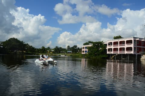 Lamanai Landings Hotel and Marina